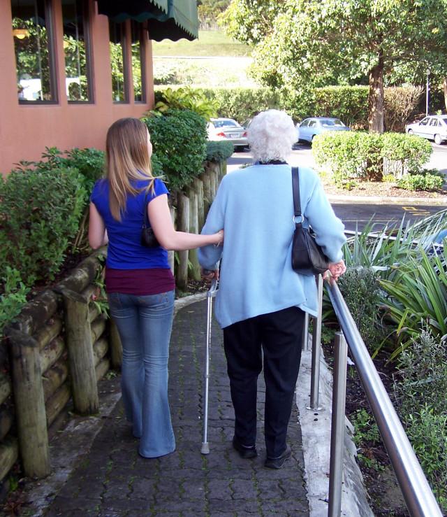 Zdjęcie opieki nad osobami starszymi firmy Jesień Wieku