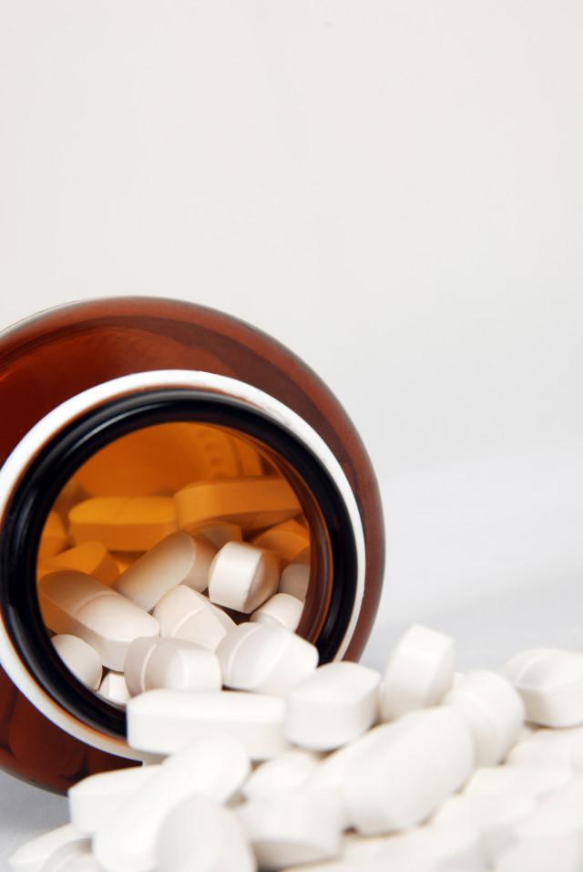 Zdjęcie do artykułu Prawidlowe przyjmowanie lekow przez osoby starsze magazynu Jesien Wieku