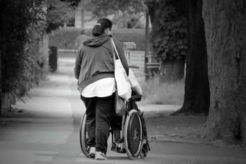 Zdjęcie do artykułu Magazynu Jesieni Wieku. Osoby niepełnosprawne.